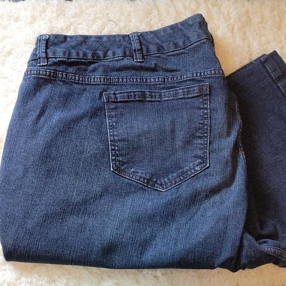 Torrid 28 short jeans